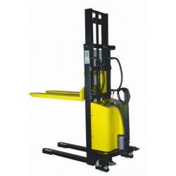 Apilador carga 1.000 Kg. a 1.600 mm