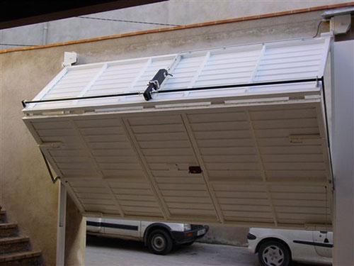 Mecanismos para puertas basculantes materiales de - Mecanismo puerta garaje ...