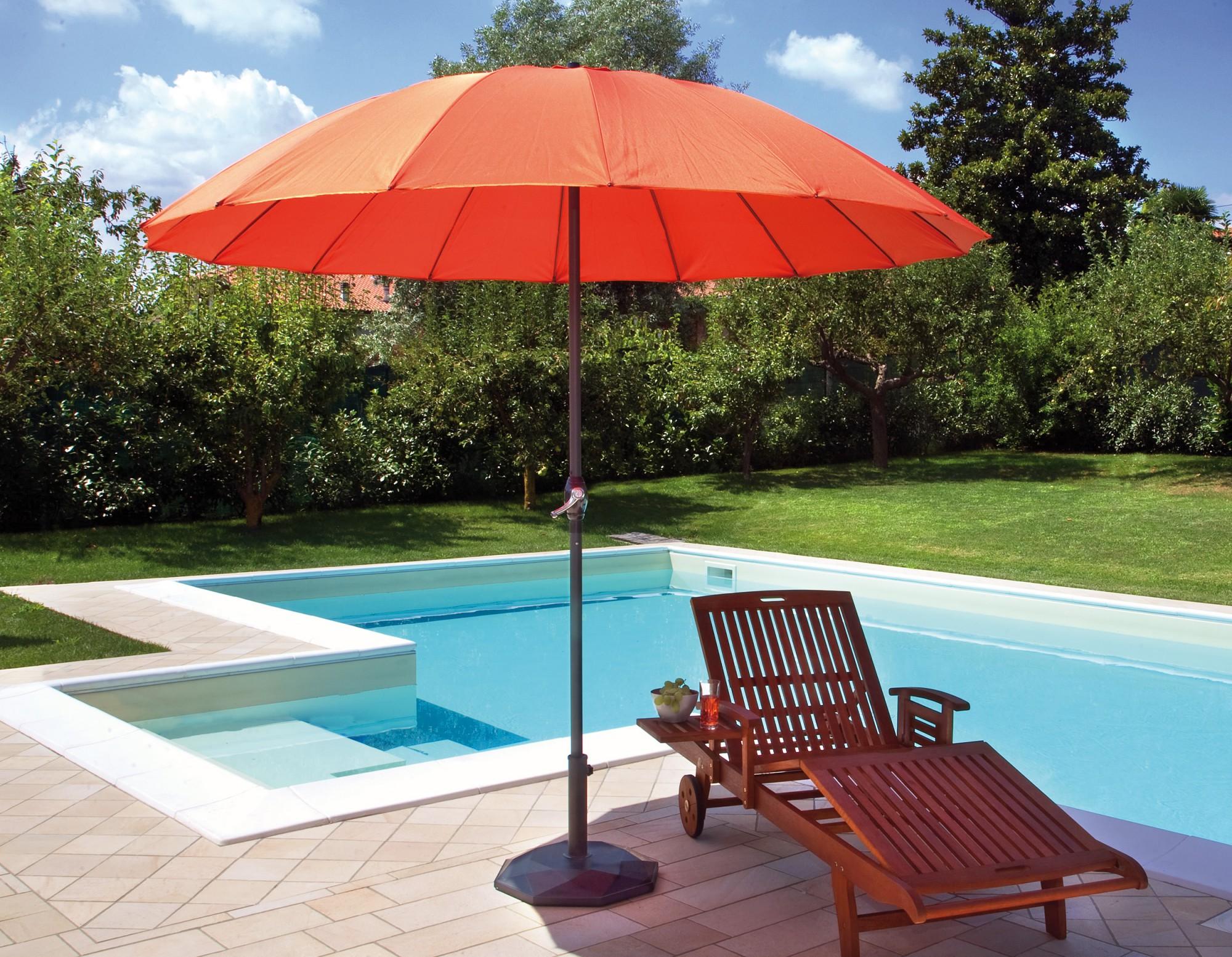 Llega el calor y con él, el uso de carpas y parasoles para tu jardín ...